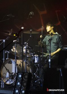 CNBlue blows fans away at the NYC stop of their 2014 Blue Moon World Tour - Minhyuk