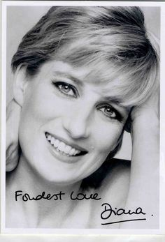 Update: 1995: Princess Diana - Patrick Demarchelier photocall /portrait photo.. Signed photo, signed by Diana Princess of Wales.