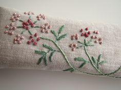 刺繍の眼鏡ケース(ピンクの花)1 2x