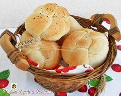 Panini alla ricotta e parmigiano Ricotta, Panini, Muffin, Bread, Breakfast, 3, Food, Fantasy, Type 1