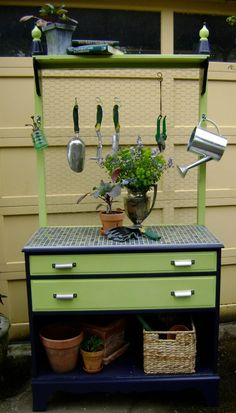 Repurposed dresser: Dresser turned into a garden potting bench - alternatively chicken wire could be added to ordinary dresser for holding jewellery! Old Furniture, Repurposed Furniture, Furniture Makeover, Painted Furniture, Dresser Repurposed, Chair Makeover, Furniture Refinishing, Refurbished Furniture, Furniture Design
