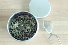 Teatox Pure Beauty & Power Detox Pure Beauty, Kraut, How To Dry Basil, Detox, Herbs, Pure Products, Tea, Food, Peppermint Tea