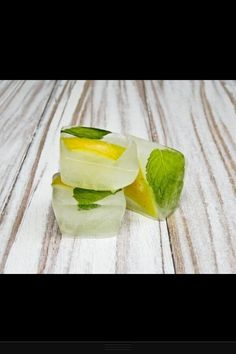 Mint & lemon ice cubes!