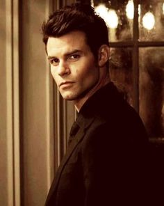 Elijah - Can't help but find him appealing to, but in a different way than Damon.