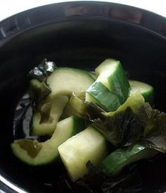 Sweet and sour cucumber and wakame pickles (kyuuri to wakame no amasuzuke)