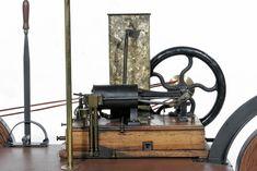"""Motrice Pia """"Enrico Bernardi"""" a 1 cilindro anno 1882."""