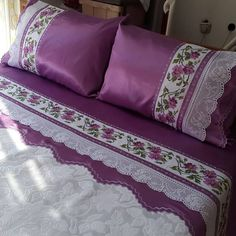 Most admired bedroom duvet cover set Lace models Decoration Bedroom, Room Decor Bedroom, Bed Covers, Duvet Cover Sets, Linen Bedding, Bedding Sets, Chandelier Wedding Decor, Designer Bed Sheets, Stylish Beds