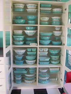 pyrex heaven - although I can't see why you'd need so much...