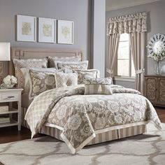 Anessa 4 Piece Comforter Set