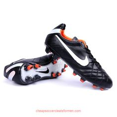 Pretty sure I love these nike soccer shoes !