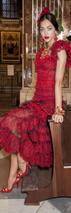 Dolce and Gabbana fall 2016 alta moda @michaelOXOXO @JonXOXOXO @emmaruthXOXO @emmammerrick  #SPANIARDMILLIONAIRESS