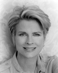Picture of Candice Bergen Candice Bergen, Short Shag Hairstyles, Short Haircuts, Murphy Brown, Cute Haircuts, Classic Movie Stars, Sexy Older Women, Charlize Theron, Short Hair