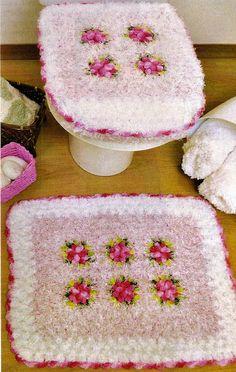 CROCHE COM RECEITA: Tapetes em crochê para o banheiro colorê