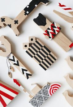 Patterned, Avant-Garde Wooden Blocks Inspired by Russian Toys - Design Milk : RED DOLLS Sasha Braulov and Nasya Kopteva? are the designers behind 52 FACTORY, who recently presented their new collection of Russian-inspired wooden toys. Wooden Puzzles, Wooden Blocks, Wood Crafts, Diy And Crafts, Red Dolls, Baby Blocks, Kids Wood, Montessori Toys, Designer Toys