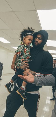 I love Dave East and his babyy is too cutee