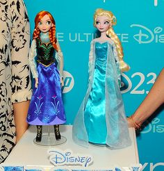 Cute dolls, right? But what makes this even better is that they're IDINA AND KRISTEN'S DOLLS!!