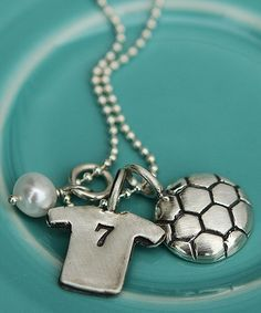 The vintage pearl Soccer necklace... NEED it!!