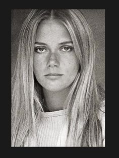 I SO wanted to look like Julie on the Mod Squad.  (The beautiful Peggy Lipton)