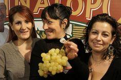 """""""Para nosotras la uva tiene mucha trascendencia, todas nuestras familias dependen de la economía del Vinalopó""""    #grape #recetas #uva #vinalopo #denominacion de origen #spain #alicante"""