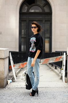 Add a fabulous shoe and your jeans and sweatshirt ensemble is instantly chic! ALL THE PRETTY BIRDS