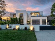 Palaces, Villas, New Model House, Mountain View California, Millionaire Homes, Luxury Boat, Luxury Yachts, Luxury Travel, Luxury Cars