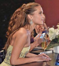 Alicia Vikander Style, Libra, Michael Fassbender And Alicia Vikander, The Danish Girl, Swedish Actresses, Swedish Girls, Ex Machina, Beautiful Actresses, Style Icons