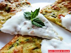 Emlékeztek a cukkinilángos receptemre ? Low Carb Recipes, Healthy Recipes, Hungarian Recipes, Pizza, Light Recipes, Main Dishes, Good Food, Food And Drink, Appetizers