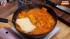 Rabokki Korean Sweet & Spicy Ramen Recipe & Video - Seonkyoung Longest Spicy Ramen Recipe, Ramen Recipes, Easy Asian Recipes, Korean Recipes, Ethnic Recipes, Korean Dishes, Korean Food, Tteokbokki Recipe Easy, Simple Beef Curry