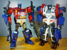 Despite our misgivings about what Xovergen's God Ginrai looks like, side-by-side Xovergen's TF-01 and TF-02 look great together #Transformers #Masterforce #OptimusPrime #Ginrai #GodGinrai #SuperGinrai #TF01 #TF02 #GodBomber #GodArmor