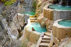 Mexico's Grutas Tolantongo: The Infinity Pools Your Bucket List is Missing Weekend Trips, Day Trip, Cool Places To Visit, Places To Go, Hawaii Travel Guide, México City, Travel Tours, Stay The Night, Mexico Travel