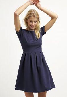 2b586a9e6cea Die 98 besten Bilder von Kleider in 2019   Dress skirt, Cute dresses ...