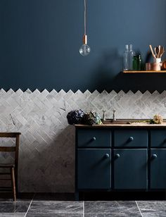 Blue kitchen with Mandarine Stone Tiles | The Nice Nest