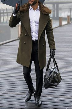 Casual Closet - A new Generation of well dressed Men Der Gentleman, Gentleman Style, Rock Style Men, Style Masculin, Herren Style, Herren Outfit, Winter Tops, Well Dressed Men, Business Fashion