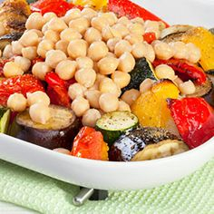 Without any doubt, salads are one of the best food choices that you can make, and this chickpea and roasted vegetable salad is a colorful, flavorful choice. Dog Recipes, Veggie Recipes, Keto Recipes, Healthy Recipes, Roasted Vegetable Salad, Gourmet Dog Treats, Veggie Dogs, Healthy Shopping, Healthy Food Delivery