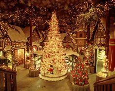 Germany, Bavaria, Rothenburg-ob-der-Tauber, Christmas shop  : Stock Photo