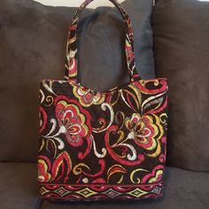 Stylish Vera Bradley bag! Gently used Vera Bradley purse! Vera Bradley Bags