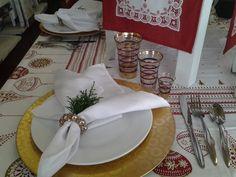 Rojo, blanco, dorado perfecto para Navidad - www.homelinengt.com