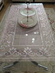 This Pin was discovered by Gul Hardanger Embroidery, Hand Embroidery, Embroidery Designs, All Kinds Of Everything, Palestinian Embroidery, Table Runner And Placemats, Weaving Patterns, Bargello, Christmas Tree Ornaments