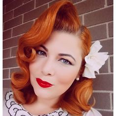 Not only is @evita_kedavra hairstyle banging, but look at this rich copper hair color!