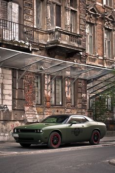 Dodge Challenger..OMGOSH!!!!!!!!!!!!!!!!!!!!!!!!!!!!!! I HAVE DIED AND GONE TO HEAVEN...FOR REAL THIS TIME!!!!!!!!