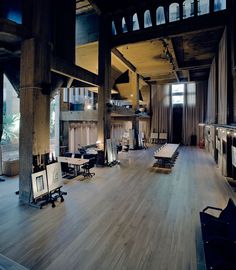 Wood looks on a grand scale like this are so timeless - a perfect blend from residential into commercial space.