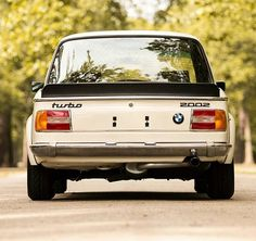 5 отметок «Нравится», 1 комментариев — BMW Classic E12 E28 Shark (@motoszef_bmw_e12_e28_e24shark) в Instagram: «Turbo 2002 Śliczne auto, tylek marzenie? Masz ladniejszy tylek? Pokaż  #bmw_life #bmw #bmw #nice…»