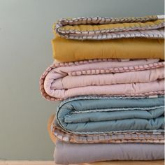 Cotton filled Reversible Quilt Warm Pink & Mink - Single - Camomile London
