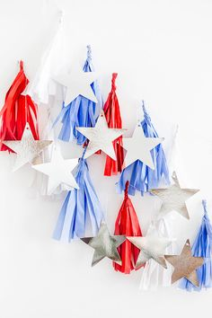 Looking to add last minute DIY style to your Fourth of July fête? Try making this DIY Red, White & Blue Tissue Paper Fireworks Banner ahead of the holiday! 4th Of July Party, Fourth Of July, Tissue Paper Garlands, Paper Trees, July Crafts, Kid Crafts, Holiday Crafts, Paper Crafts, Holiday Decor