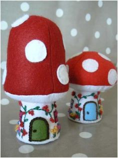 Free felt toadstool pattern - this would be such a cute pincushion!