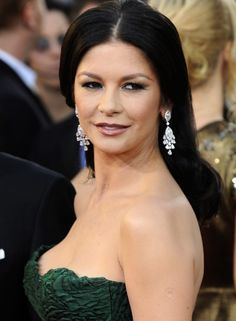 She received acclaim for her performances as a vengeful pregnant woman in Traffic and a murderous singer in the musical Chicago for the latter she won Academy and BAFTA Awards for Best Supporting Actress. Stretch Mark Cream, Stretch Marks, Local Tv Stations, Cuts And Bruises, Stretch Mark Removal, British Academy Film Awards, Catherine Zeta Jones, Beautiful Actresses, Hollywood