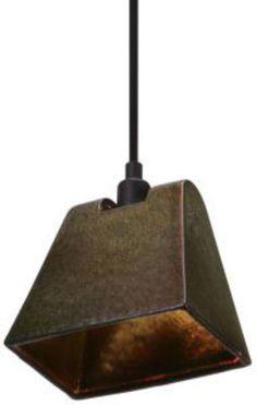 Pendelleuchte Lustre Light Wedge, Irisierend von Tom Dixon finden Sie bei Made In Design, Ihrem Online Shop für Designermöbel, Leuchten und Dekoration.