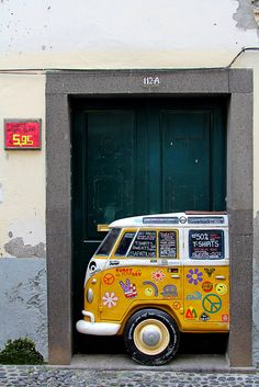 The painted doors of Old Funchal, Madeira (31)