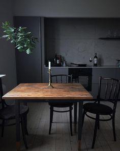Une cuisine en total look noir mat