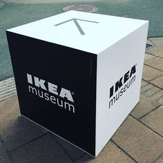 Visit us this weekend! Follow the cubed shaped signs from the Älmhult station to the IKEA Museum. Besök oss i helgen! Följ våra kubformade vägvisare från Älmhults station till IKEA Museum. #weekend #cubes #älmhult #IKEAmuseum